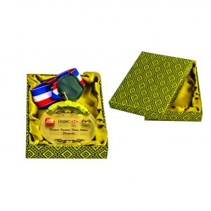 Crystal Medals with Wooden Boxes CTIHB006 – Exclusive Songket Box With Crystal Medal